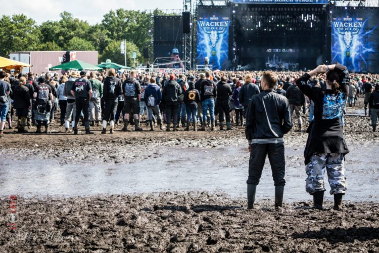 Wacken_2015-crowd-71