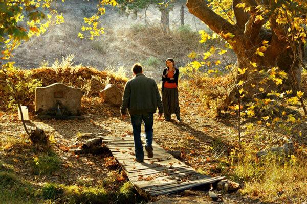 [:tr]Nuri Bilge Ceylan'ın Yeni Filmi Ahlat Ağacı'ndan Poster ve Görseller[:en]Look Poster and More for Wild Pear Tree, directed by Nuri Bilge Ceylan[:]