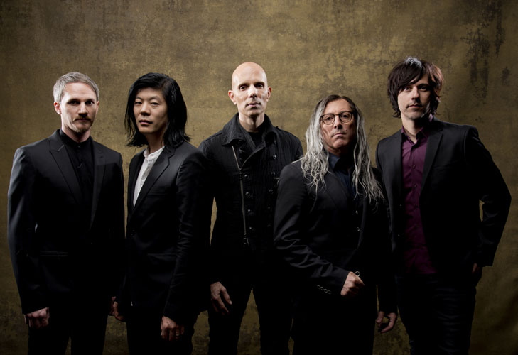 [:tr]Yeni A Perfect Circle Albümü Eat The Elephant'i Buradan Dinleyin[:en]Listen A Perfect Circle's New Album 'Eat The Elephant' Stream[:]
