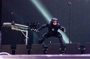 Tool 11 Yıl Sonra İlk Şarkısı Descending'i Canlı Performansla Paylaştı