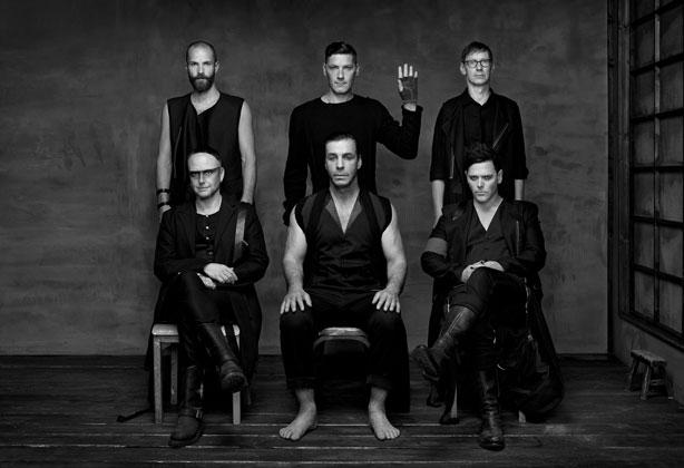 [:tr]Rammstein Yeni Albümünü Bitirip Yayınlamaya Hazır[:en]Rammstein On Orchestra And Choir Recordings For New Album[:]