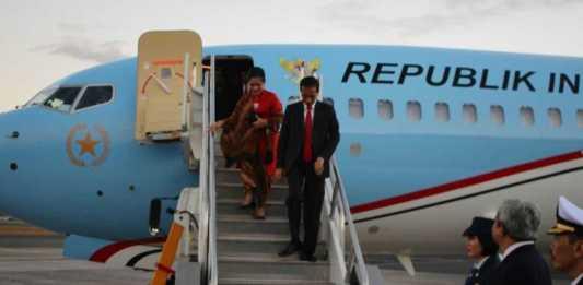 Presiden turun dari Pesawat