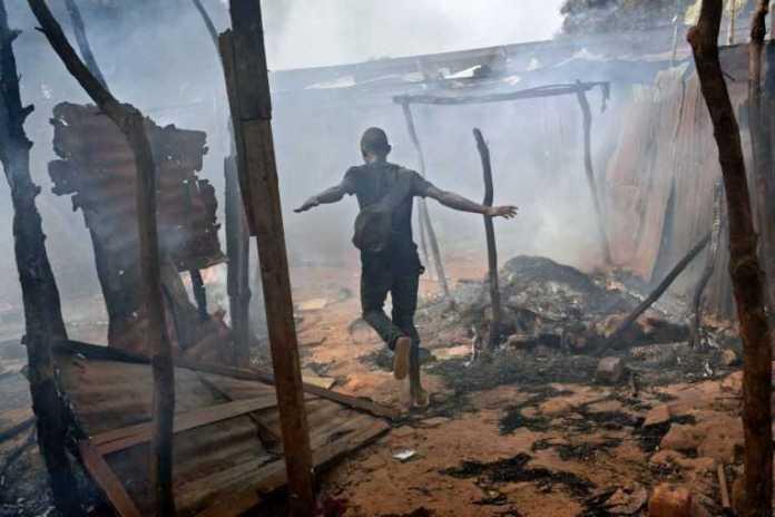 Bangui, terbakar