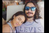 Netizen Minta Aurelie Moeremans Tetap Ada untuk Ello, Begini Tanggapan Sang Kekasih Setelah Penyanyi Gondrong itu Ditangkap Polisi!