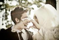 Begini Cara Istri Shalehah Menyikapi Suami Yang Tidak Shaleh