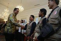 Anies Baswedan Lepas 32 Relawan Indonesia ke Jalur Gaza
