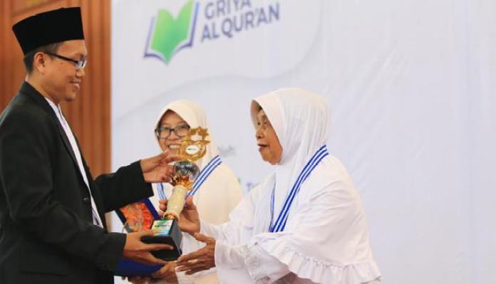 Siti Aisah, Nenek 80 Tahun yang Diwisuda Sebagai Hafizah
