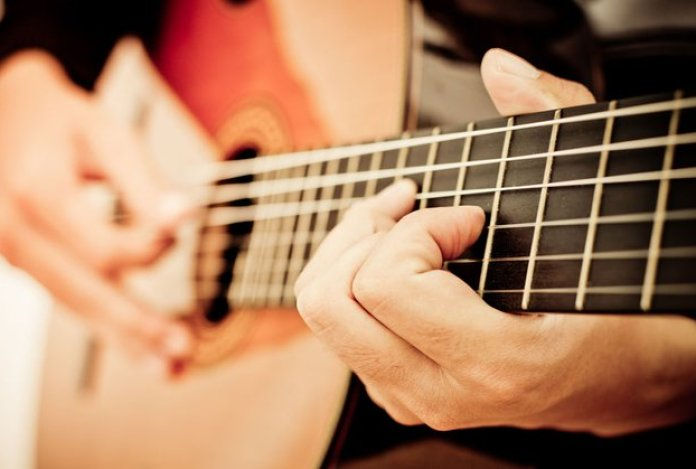 Cara Belajar Gitar untuk Pemula yang Mudah Dicoba