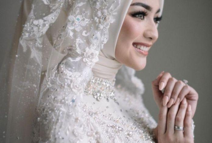 12 Inspirasi Hijab Pengantin Yang Cantik Dan Elegan Untuk Hari Spesial Seruni Id