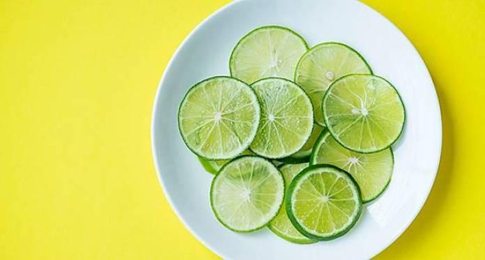 10 Cara Menghilangkan Ketombe Membandel dan Gatal dengan Bahan Alami