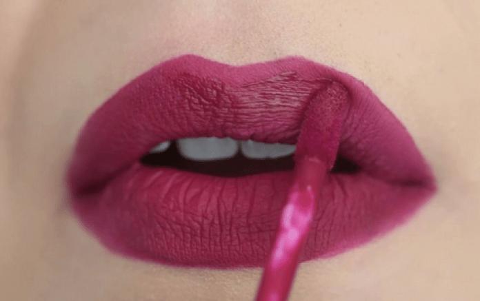 8 Warna Lipstik yang Cocok untuk Pemilik Bibir Tebal