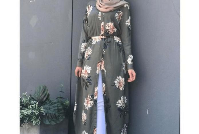10 Ide Baju Lebaran Paling Hits. Cocok untuk Wanita Berhijab