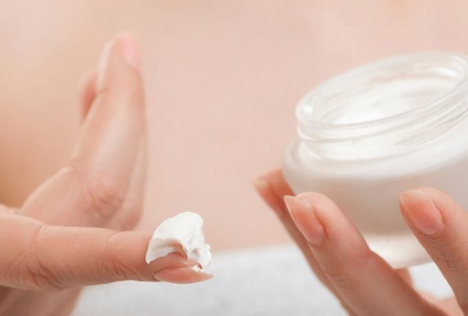 5 Tips Memilih Krim Stretch Mark yang Paling Efektif untuk Ibu Hamil