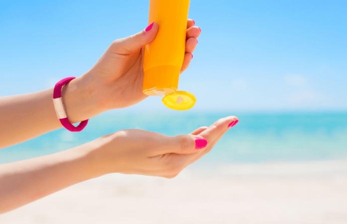 Tips Memilih Sunscreen untuk Wajah Berminyak