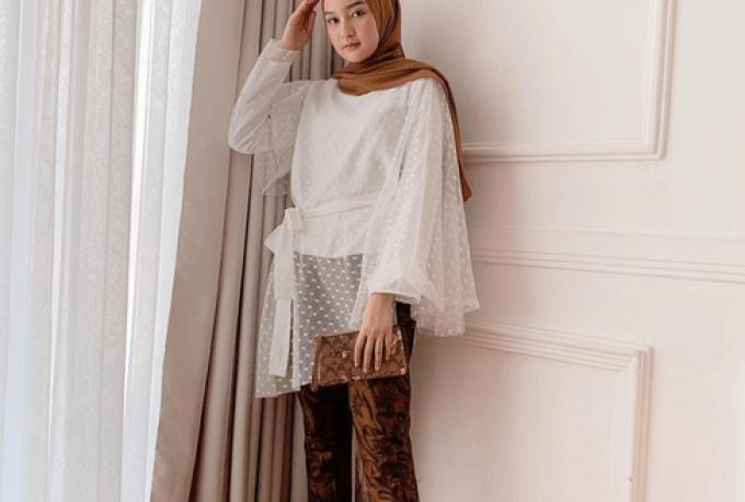 10 Inspirasi Baju Kondangan dengan Stelan Celana untuk Para Hijabers