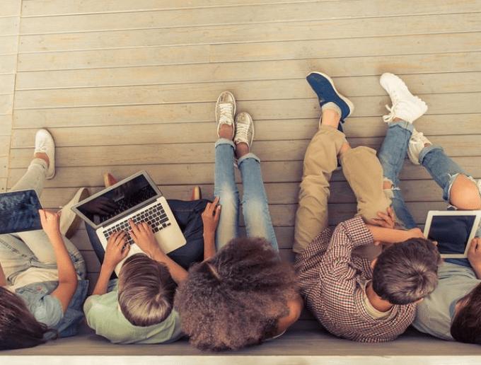 Cara Bijak Mengatur Waktu Penggunaan Gadget bagi Anak