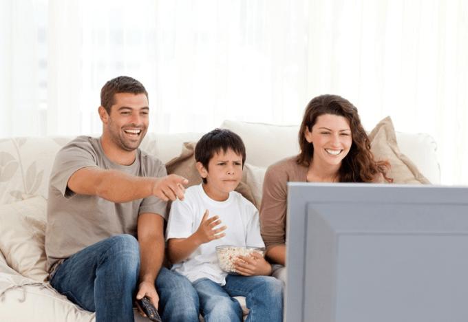 Pentingnya Peran Orangtua dalam Mendampingi Anak Menonton