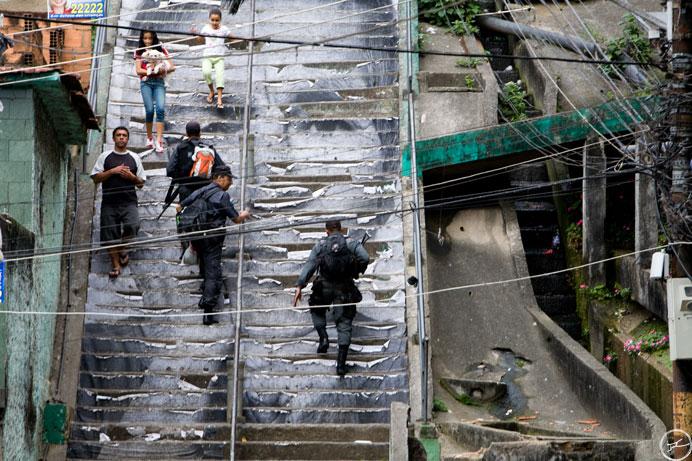 escalier_favela_jr_usure
