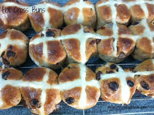 Homemade and Easy Hot Cross Buns Recipe