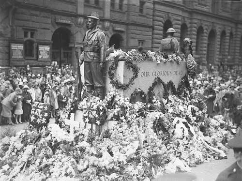 Cenotaph Martin Place Sydney ANZAC Day 1930 at www.servetolead.org