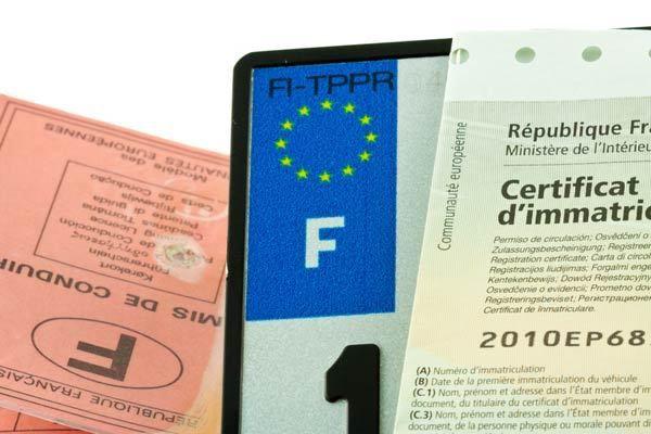 Certificat de conformité européen voiture