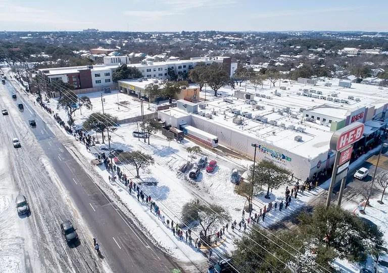 Austin, Texas snow;  saturated supermarket