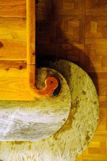 Escaleras y barandilla del Albergue.