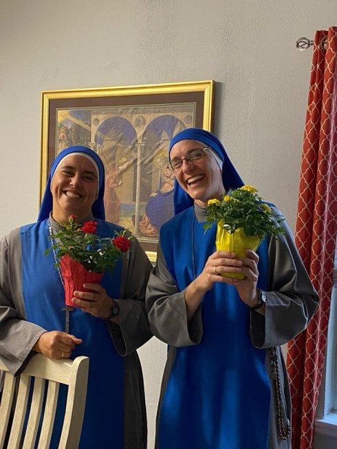 """primer aniversario de la fundación de la comunidad """"Venerable Madre Julia Navarrete"""" en Dallas, Texas, Estados Unidos"""