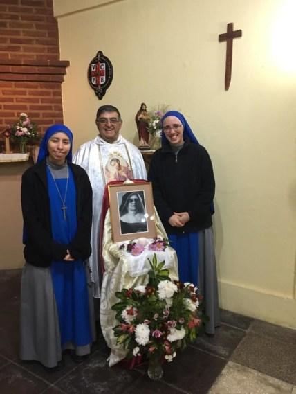 """quinto aniversario de fundación de la comunidad """"Beata María Jesús Crucificado Petkovic"""", que atiende la casa cuna en La Plata, Argentina"""