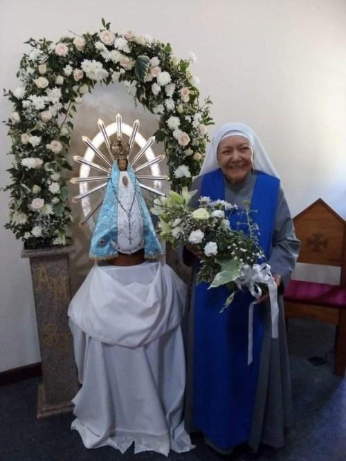 Novicia contemplativa María Madre de los Cautivos