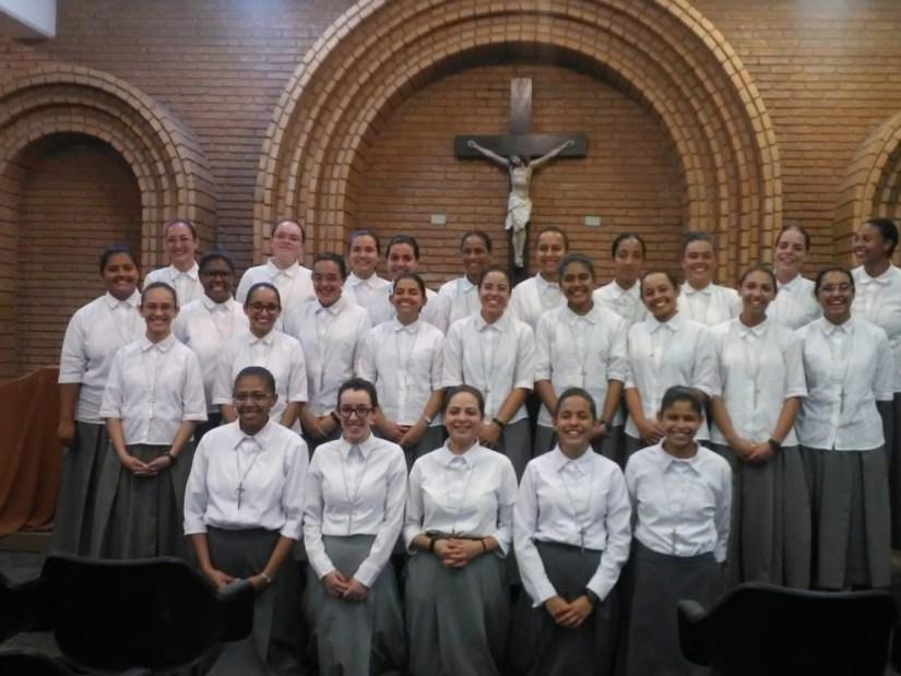 """Hermanas del Noviciado apostólico """"María de Jesús Nazareno"""" y del Noviciado contemplativo """"Santa Teresita del Niño Jesús"""""""