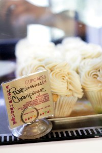 pomegranate cafe vegan phoenix arizona cupcakes