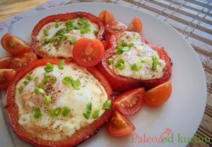 Jajka sadzone w papryce
