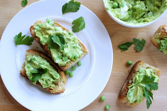 kanapka z avocado