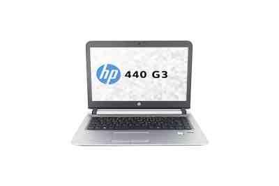 Modèle HP 440 G3 de la marque HP. Image montrant la face avant du pc avec l'écran, le clavier et le pavé tactile (touchpad).