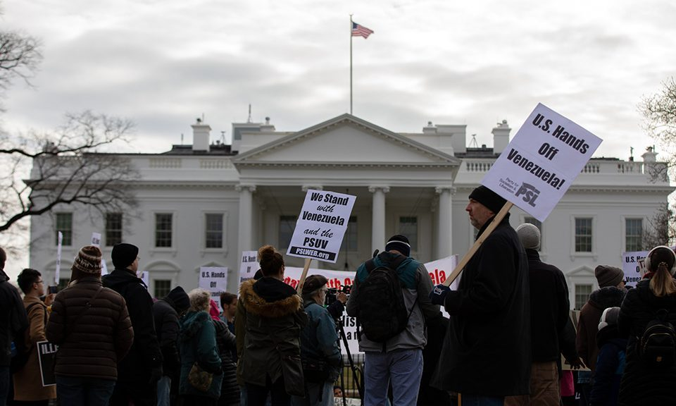 Foreign policy elites and public opinion in US