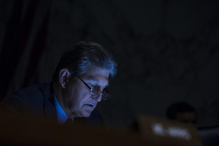 Demokrat Senatör Manchin Bütün Yasama Gündemini Tıkayabilir