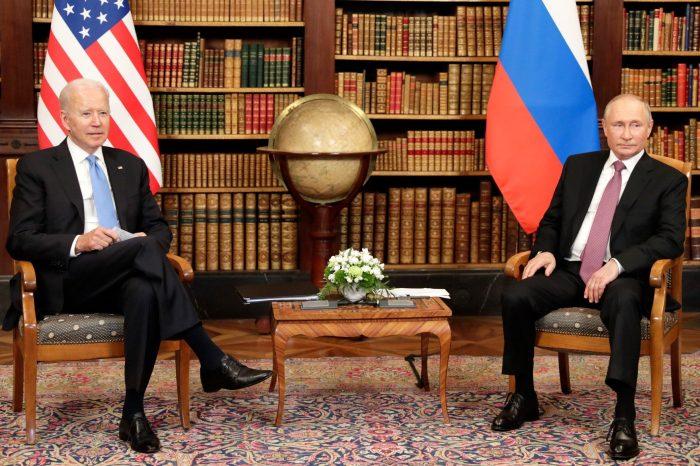 Biden NATO Zirvesi Sonrası Putin'le Görüştü