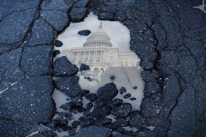 Cumhuriyetçiler Altyapı Planının Oylanmasına Müsaade Etmiyor