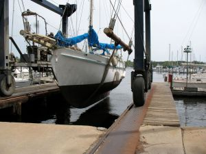 This is a good view of Idle Queen to show off her long, shallow keel.