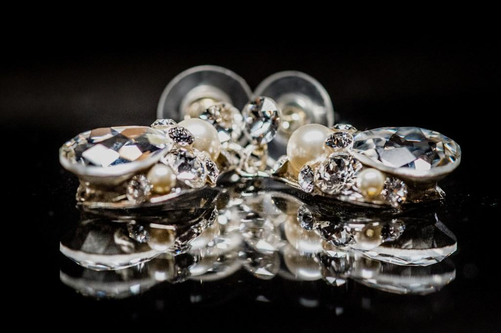brides earrings at columbus ohio westin wedding