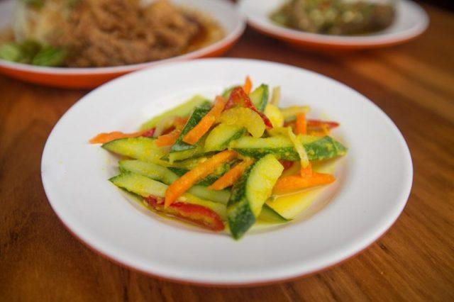Rumah Makan Minang 11 2 800x533 Rumah Makan Minang: Beef Rendang & More Than 20 Dishes At This Nasi Padang Stall Near Arab St