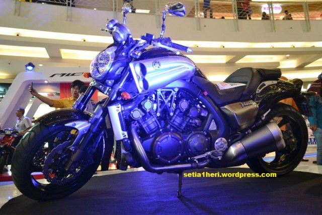 Yamaha V-Max di Royal Plaza