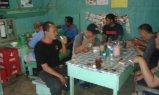 makan di warung