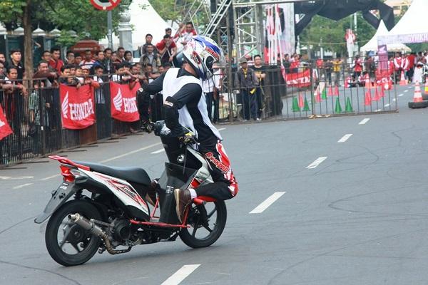 Honda Beat Stunt Rider 2014