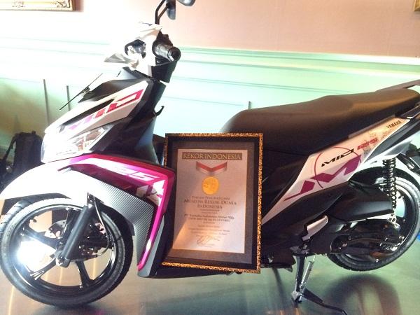 Mio M3 Raih Rekor MURI Sepeda motor matik dengan ketahanan operasional mesin secara nonstop terlama 30 hari tahun 2015