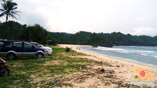 Pantai Srau Pacitan tahun 2015 (4)