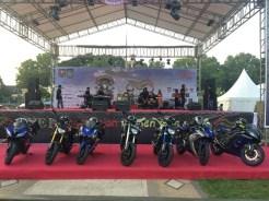 Tujuh motor besar Yamaha MT09 - YZF-R6 - YZF-R25 yang ditunggangi 7 Srikandi Women on Wheels Indonesia turing Jakarta ke Lombok