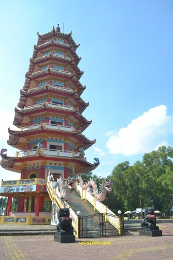 Pagoda 9 lantai di Pulau kemaro