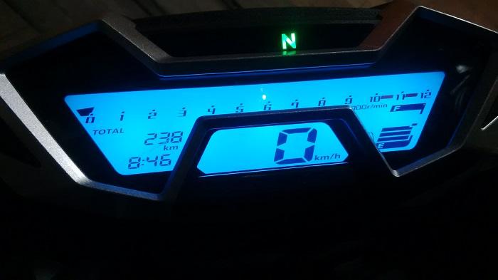 dashboard CB150R bila malam hari
